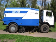 Подметально-уборочная машина КО-326 на шасси МАЗ-5337А2